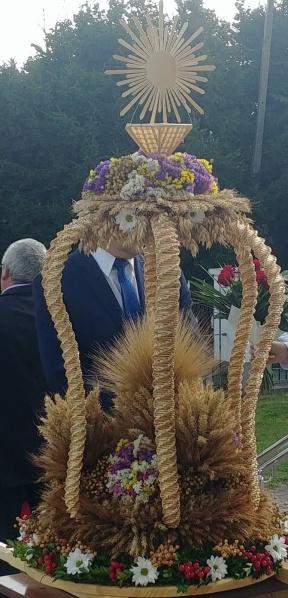 I miejsce w kategorii – Wieniec z elementami pobożnymi sołectwa Kolonia Przerośl i  Zusenko